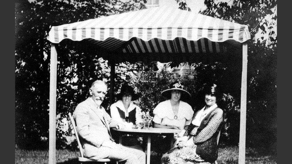 Tea Parties in the Garden